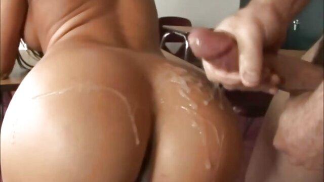 Latina pelirroja es follada en la porno subtitulado español latino playa
